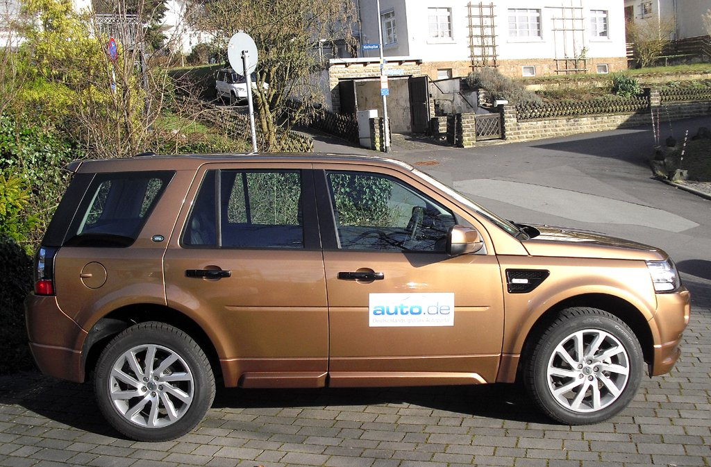 Land Rover Freelander: So sieht das kompakte SUV-Modell von der Seite aus.