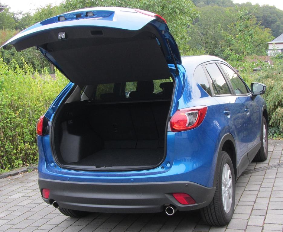 Mazda CX-5: Ins Gepäckabteil passen 503 bis 1620 Liter hinein.