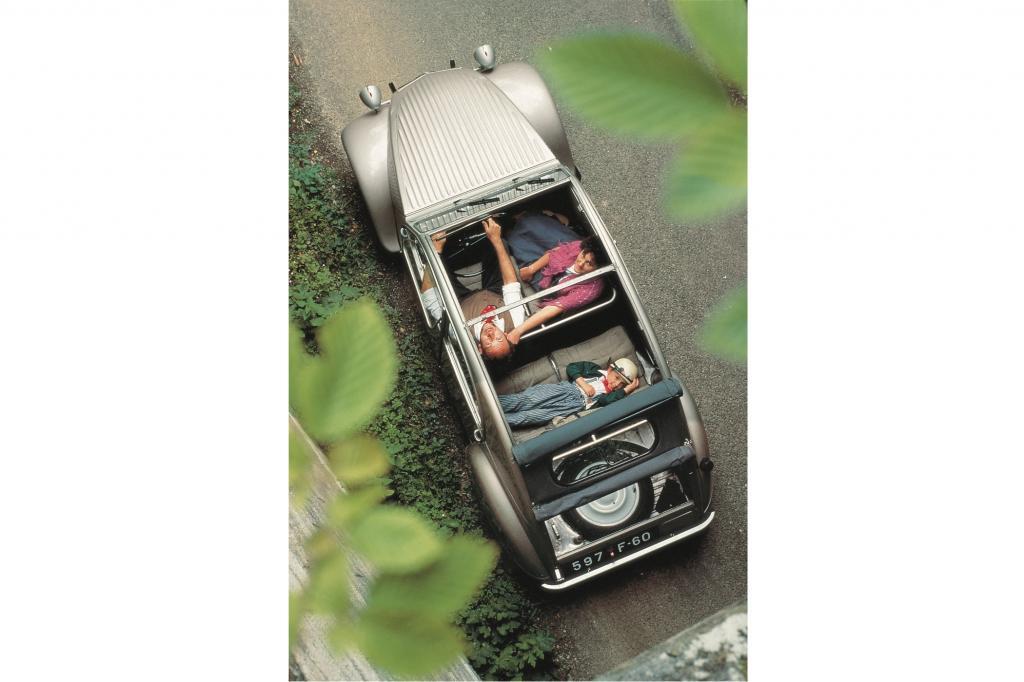 Mi fast 3,9 MIllionen Exemplaren ist die Ente quasi das meistgebaute offene Automobil der Nachkriegszeit