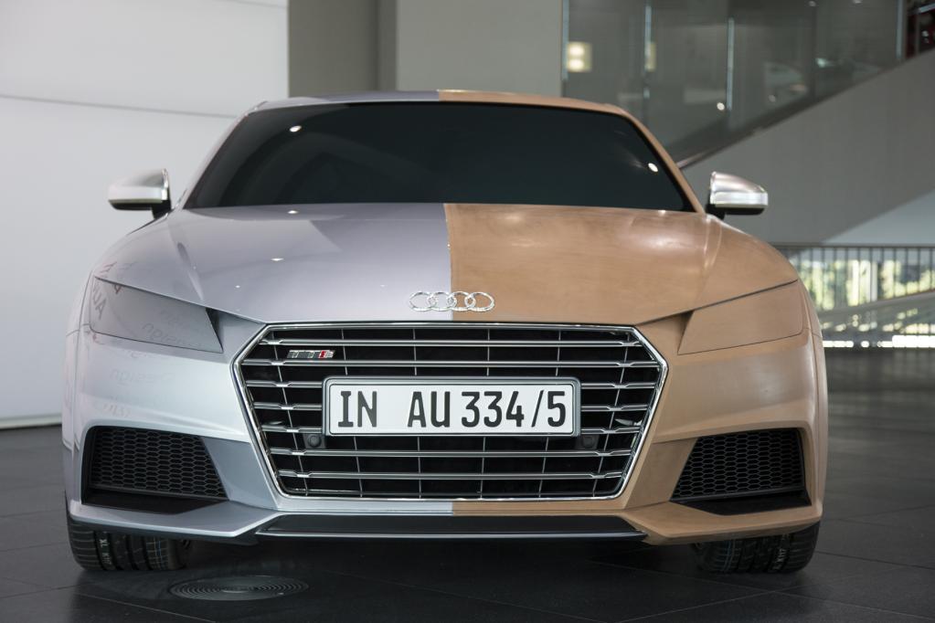 Neues Audi TT Coupé mit scharfen Bügelfalten