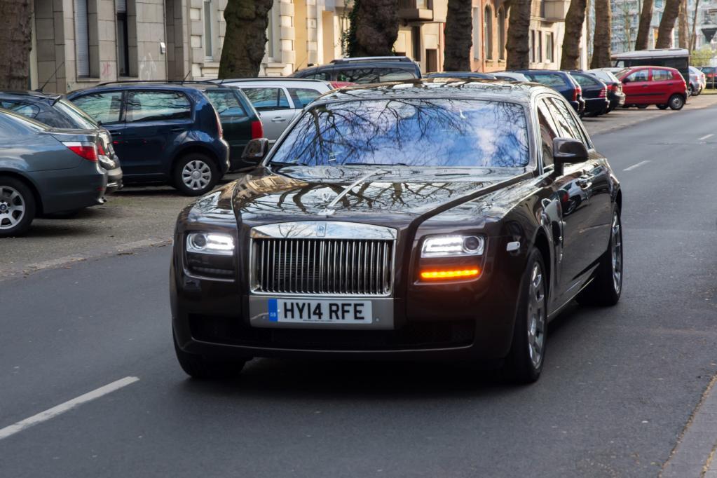 Nur kein Neid: Im Rolls-Royce wird jeder zum Star