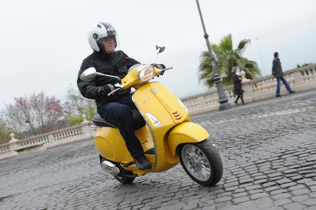 Piaggio legt wieder eine Vespa Sprint auf