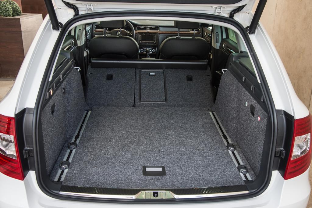 Platz gibt es reichlich im Kofferraum. 633 Liter fasst das Gepäckabteil, wenn man die Rücksitze nicht umklappt.