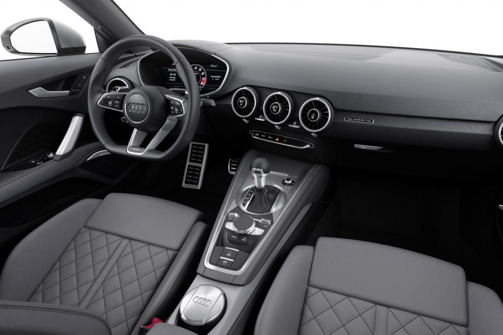 Puristisch und schlank wirkt das neue Interieur – vor allem deshalb, weil es im Gegensatz zu vielen anderen modernen Fahrzeugen nur ein einziges Display beherbergt