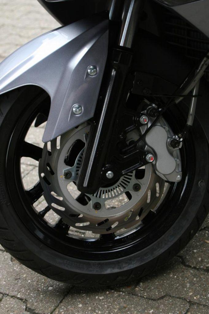 SYM GTS 300: Taiwan-Roller jetzt mit ABS