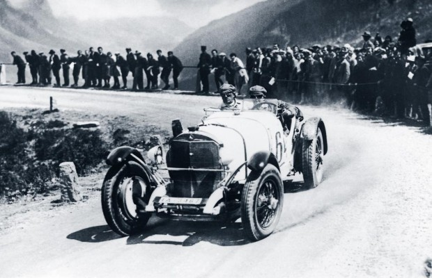 Techno Classica: Zeitreise der Autobauer