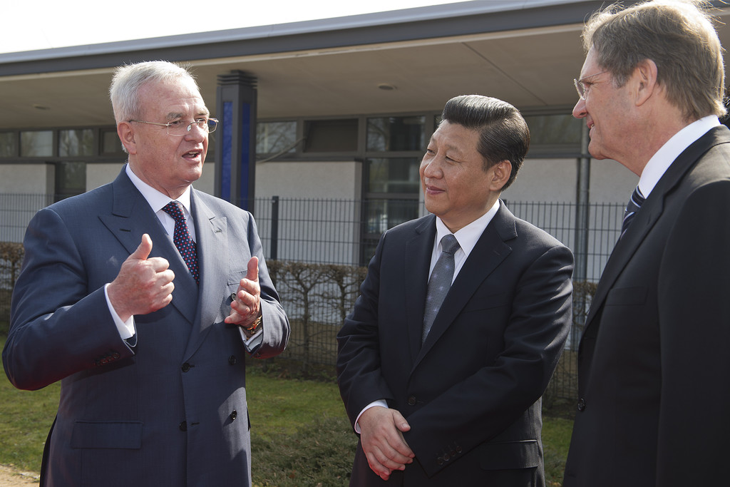 Volkswagen spannt einen Regenbogen zwischen Wolfsburg und China
