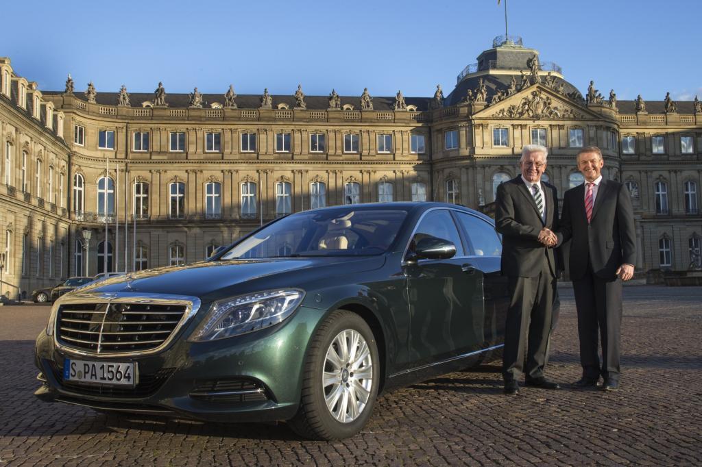 Winfried Kretschmann und Daimler-Vorstand Thomas Weber - Foto: Daimler