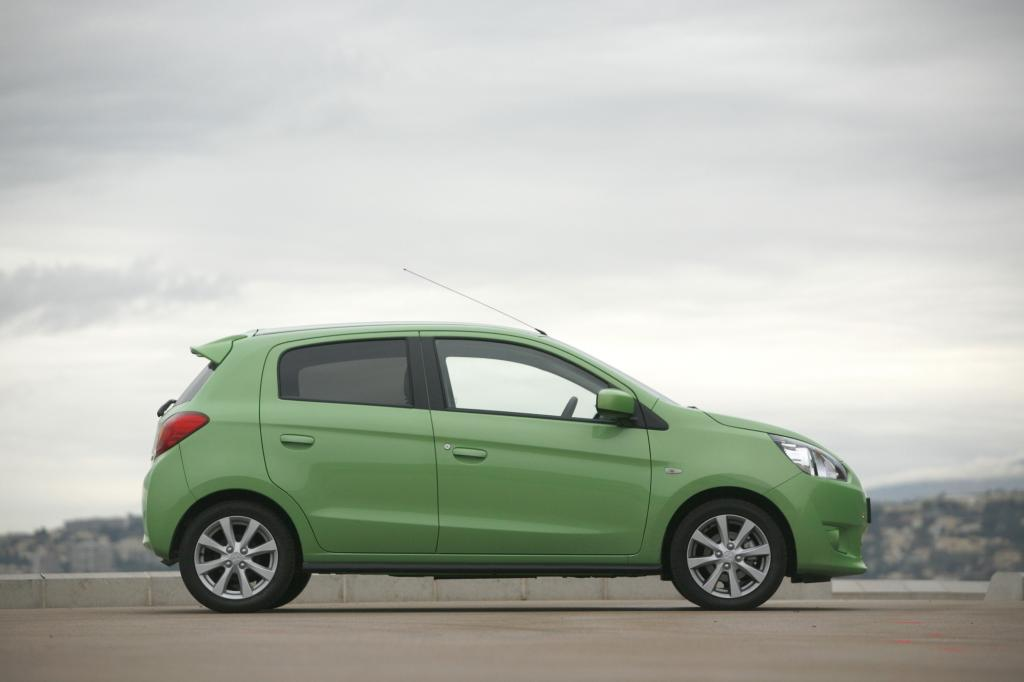Wo andere Kleinwagen sich optisch als schick oder sportlich positionieren, wirkt der seit knapp einem Jahr erhältliche Mitsubishi Space Star eher gedrungen und pummelig