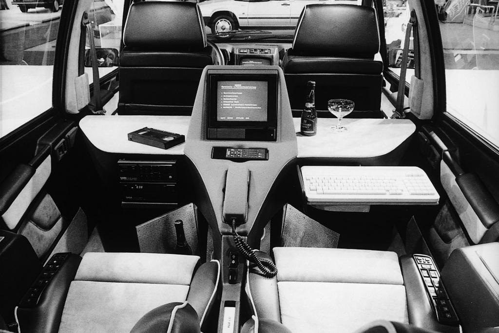 © Renault | Renault Espace mit Büro-Sonderausstattung ab 1984