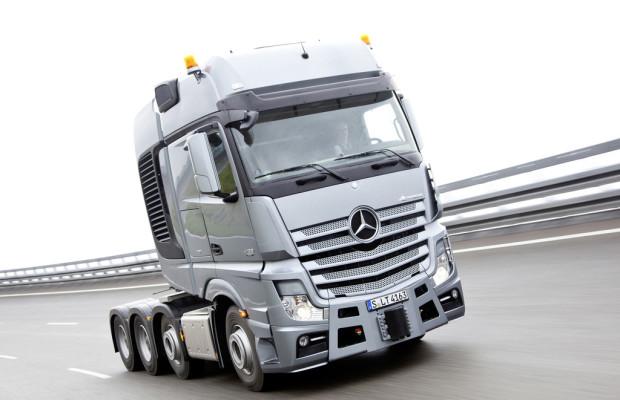 300 Mercedes-Benz Actros verstärken türkische Logistikflotte