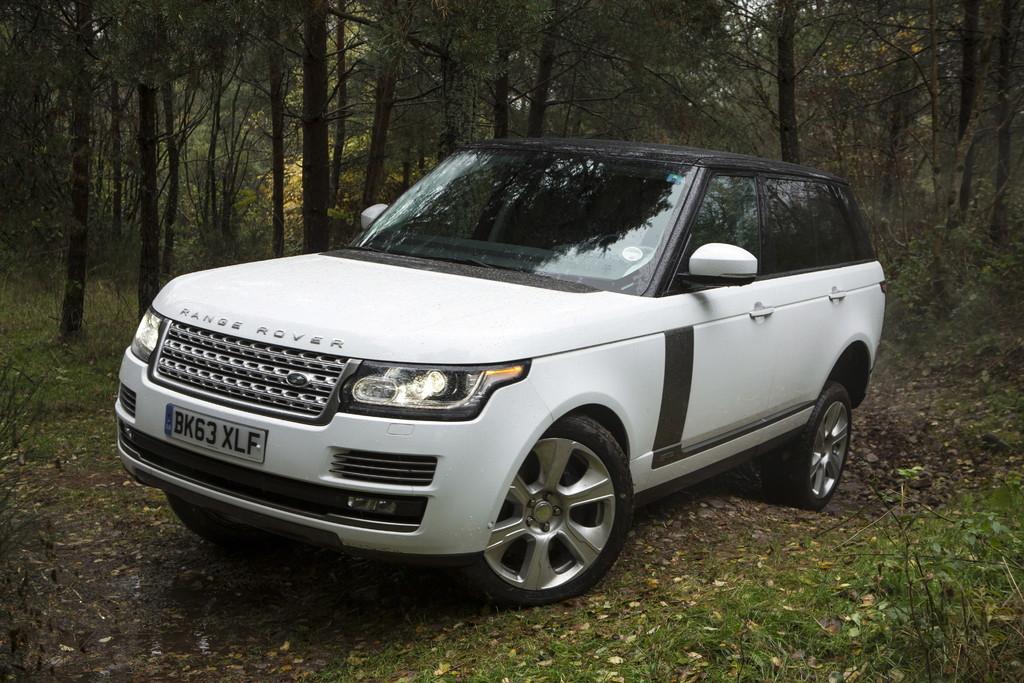 AMI 2014: Jaguar-Land-Rover mit Deutschlandpremiere und Offroad-Camp