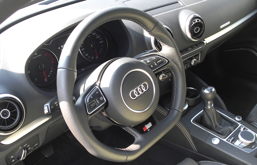 Audi A3: Blick ins sportlich-funktionelle Cockpit.