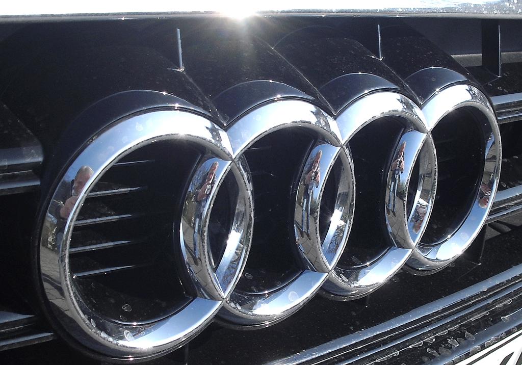 Audi A3: Die vier Markenringe sitzen vorn mittig im oberen Kühlergrill-Teil.