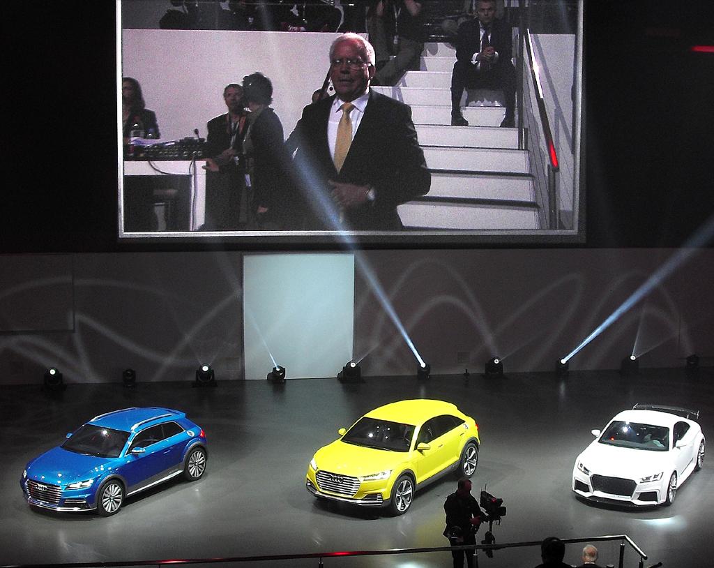 Audi-Präsentation beim Konzernabend in Peking: (von links) Allroad Shooting Brake, TT Offroad Concept, TT Quattro Sport Concept.