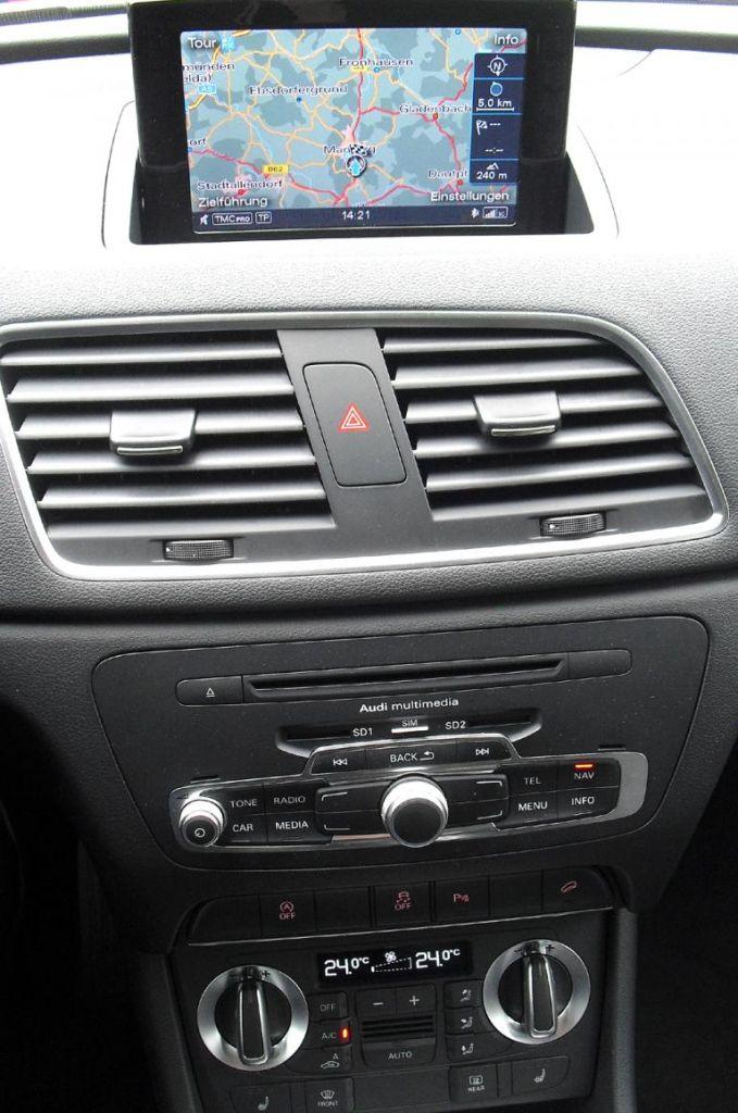 Audi Q3: Blick auf den mittleren Armaturenträger.