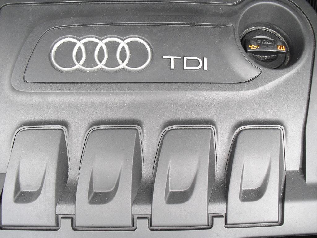 Audi Q3: Blick unter die Haube auf den 2,0-Liter-Selbstzünder.