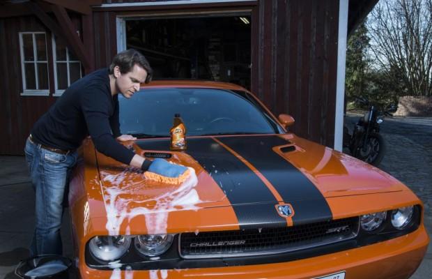 Autopflege macht den Männern Spaß