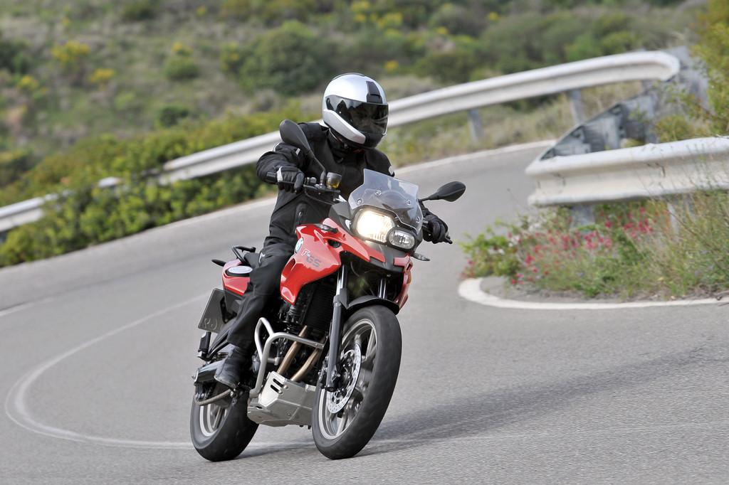 BMW hilft Neueinsteigern aufs Motorrad