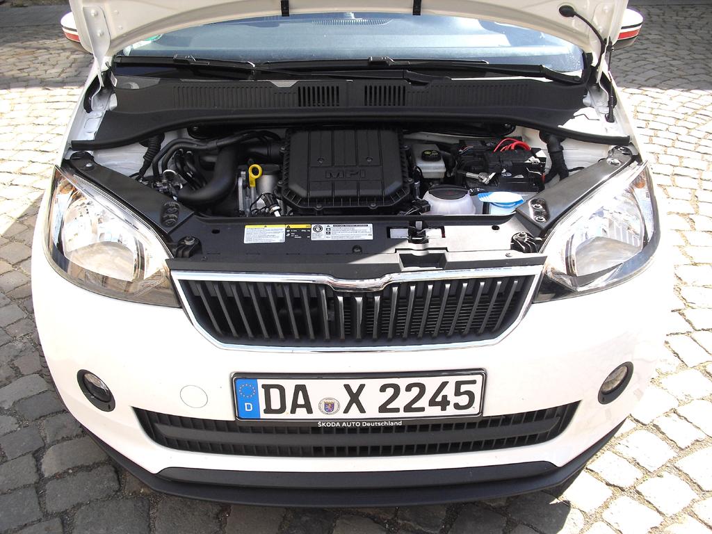 Blick unter die Haube der Erdgas-Variante auf Basis des Erdgas-Up von VW.