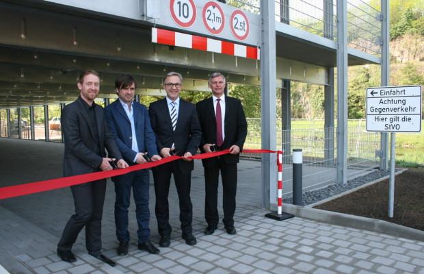 Daimler eröffnet neues Mitarbeiter-Parkhaus