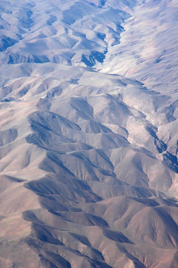 Das faltig-braune Atlas-Gebirge prägt mit das Bild von Marokko.