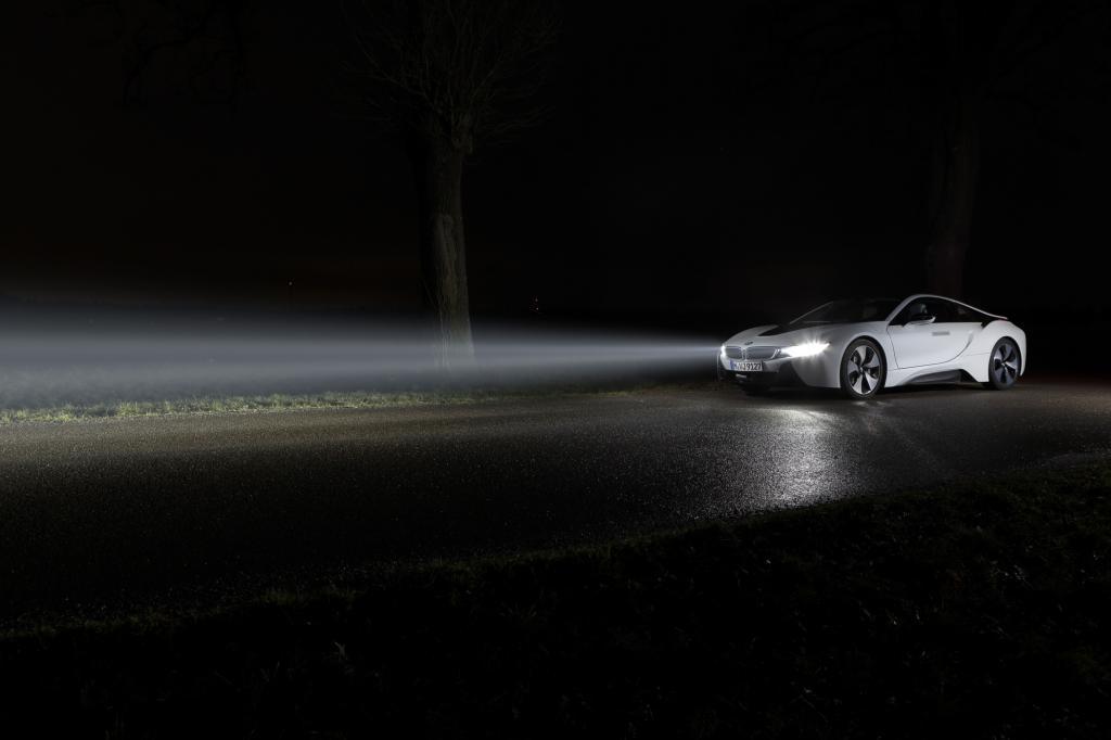 Die Helligkeit liefern drei Laser im Aluminium-Scheinwerfergehäuse