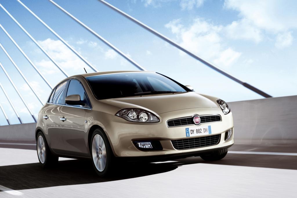 Die Modelle ab Modelljahr 2010 haben serienmäßig Klimaanlage und Radio an Bord, auch beheizbare Außenspiegel, Berganfahrhilfe sowie eine höhen- und weitenverstellbare Lenksäule gehören zum Serienumfang