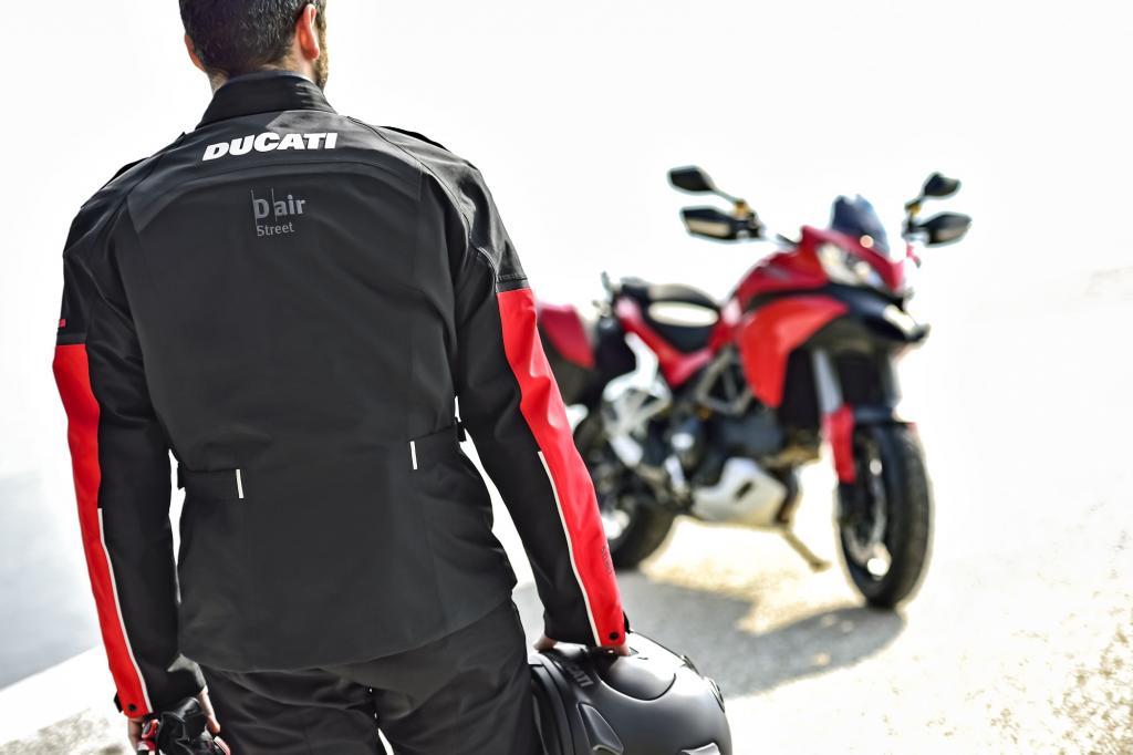 Ducati bringt mit seinem Allrounder Multistrada 1200 S Touring D-Air ab Mai das weltweit erste Motorrad mit serienmäßiger Airbag-Jacke auf den Markt.