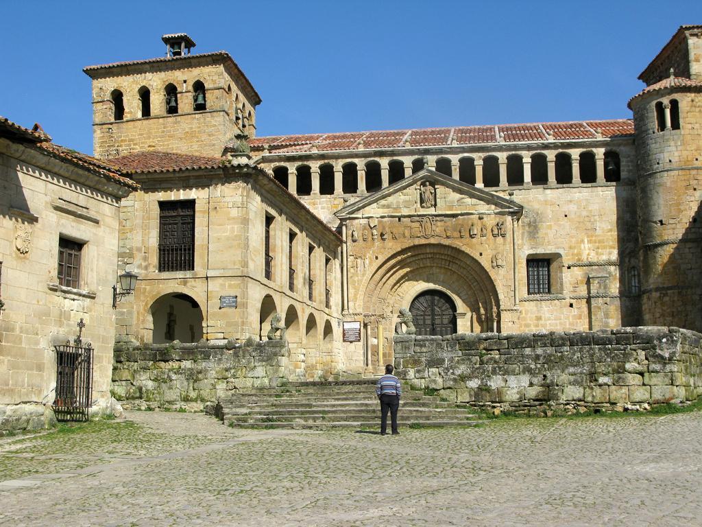 Erst Kloster, dann Kirche: Gotteshaus Santa Julianain in Santillana.