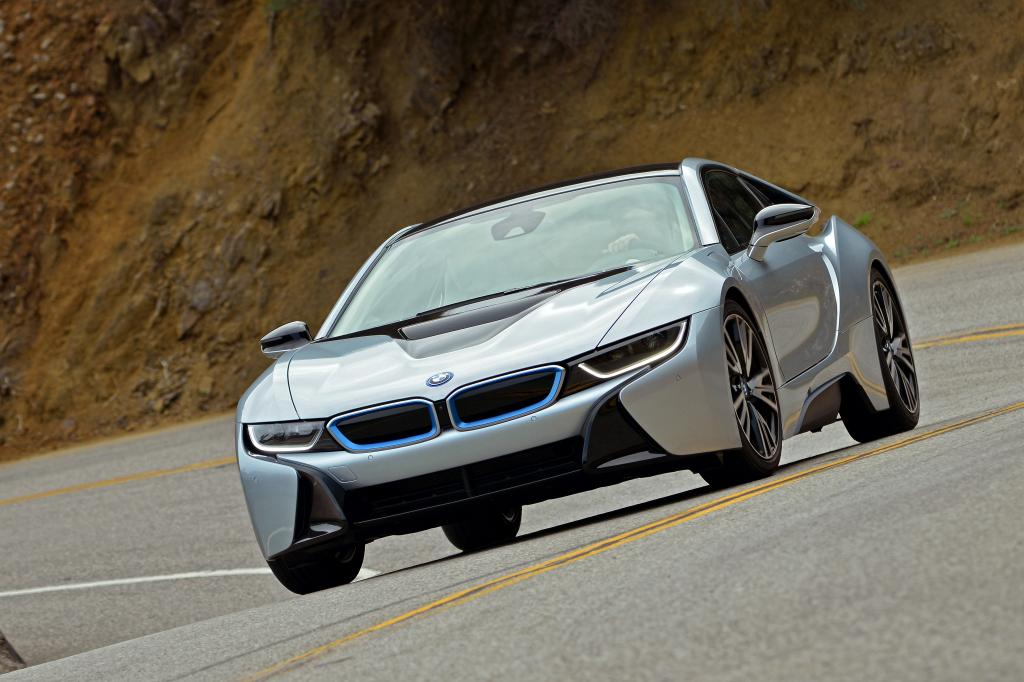 Erste Fahrt im BMW i8 - Der Aufsehen-Erreger