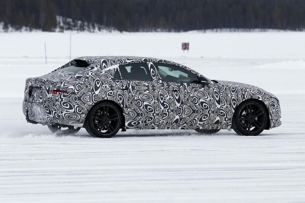 Erwischt: Erlkönig Jaguar XE - Angriff auf 3er, A4 und C-Klasse