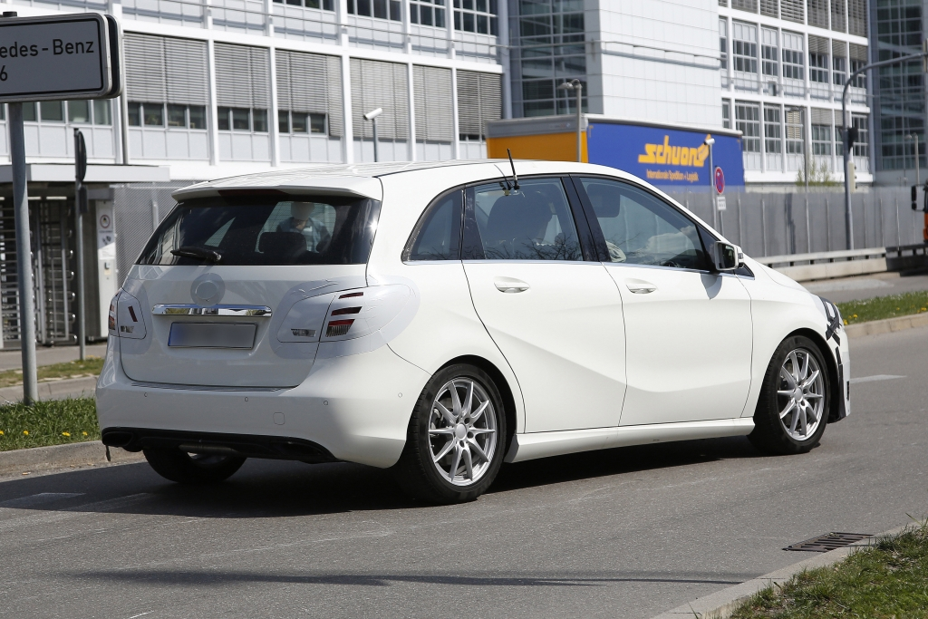 Erwischt: Erlkönig Mercedes B-Klasse Facelift