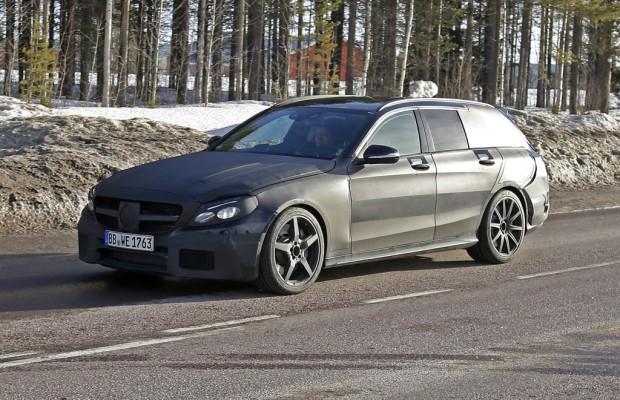 Erwischt: Erlkönig Mercedes C 63 AMG T-Modell