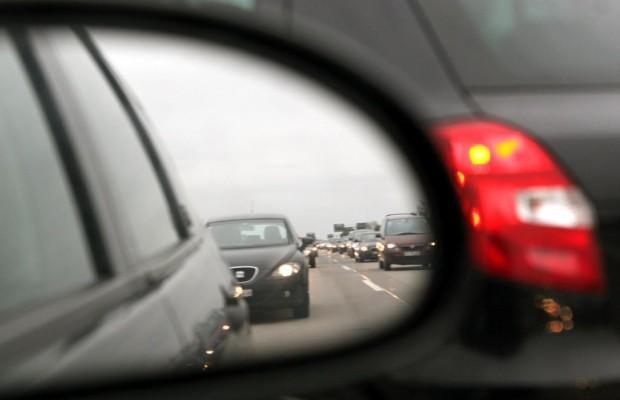 Fahren mit Licht am Tag - Die Hälfte leuchtet