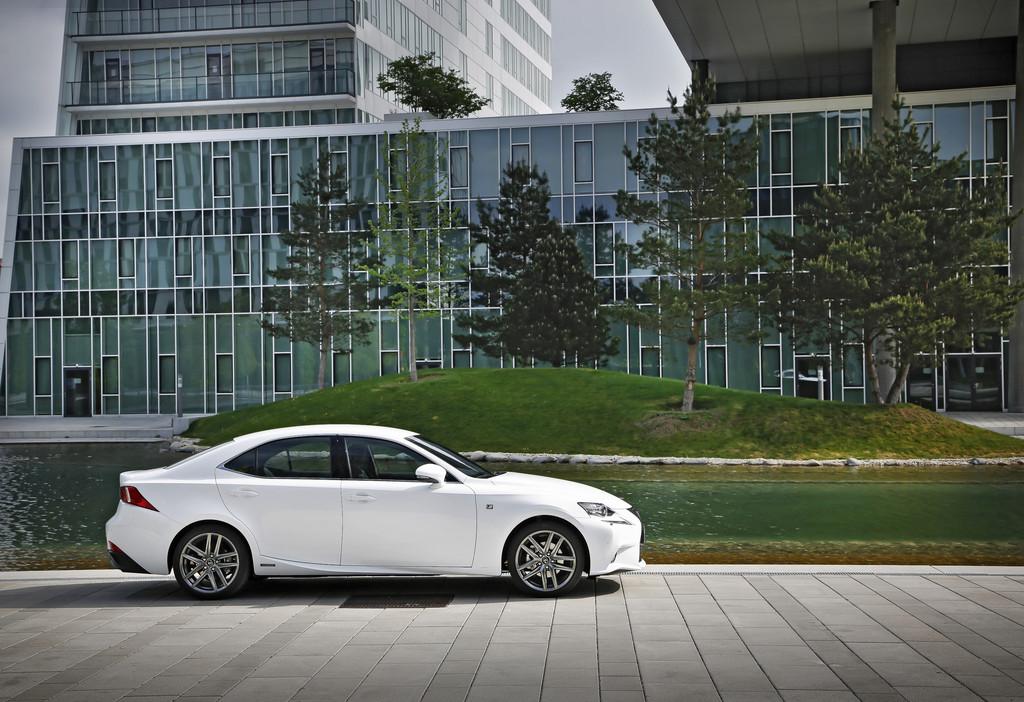 Firmenautos des Jahres 2014 gekürt - Foto: Lexus