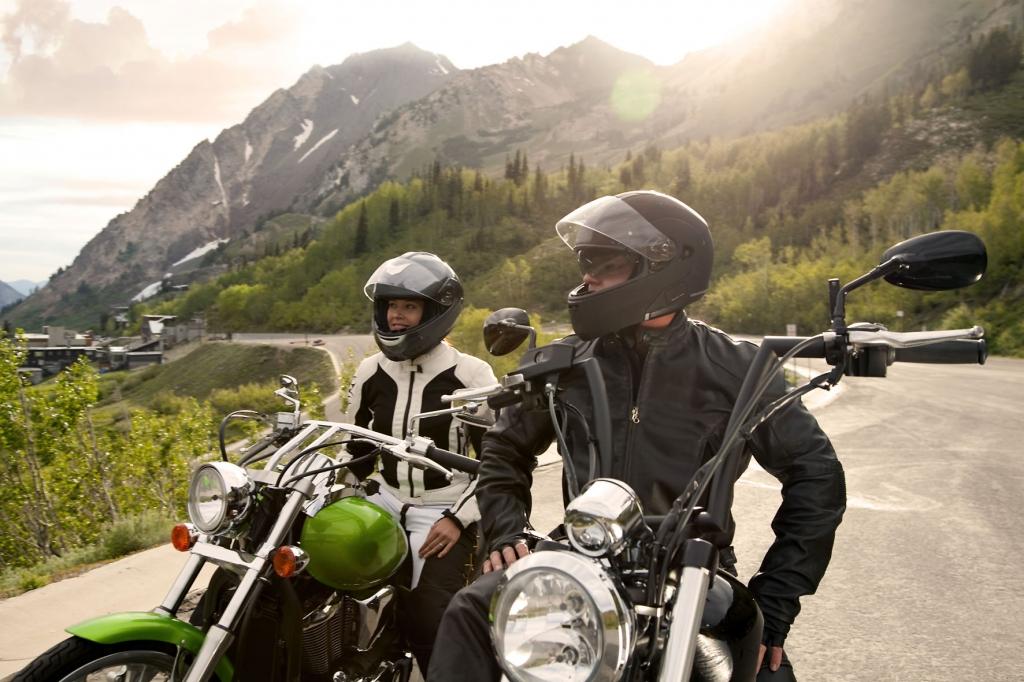 Große Freiheit auf zwei Reifen: Im Sattel erlebt man Landschaften und Natur besonders intensiv.  - Bild: djd/MotorradreifenDirekt/thx