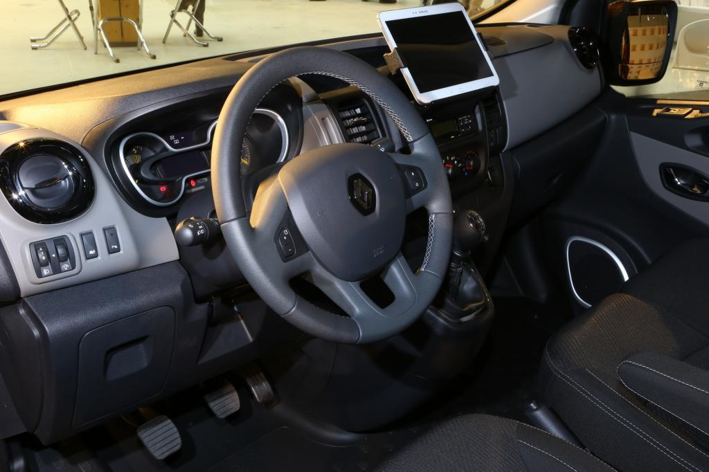 Halterungen für Smartphones oder Tablets sowie moderne Infotainmentsysteme samt großer Display sind erhältlich - Foto: Renault