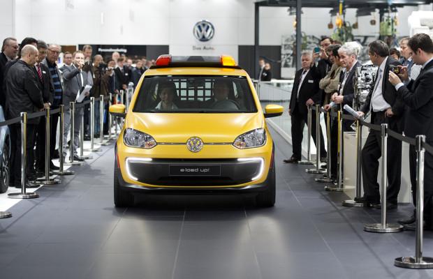 Hannover Messe: Volkswagen präsentiert E-load Up als Flughafen-Lotsenfahrzeug
