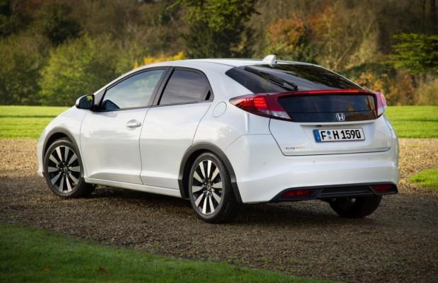 Honda erweitert sein Sicherheitsangebot - Die Civic-Familie jetzt mit Fahrerassistenzsystemen