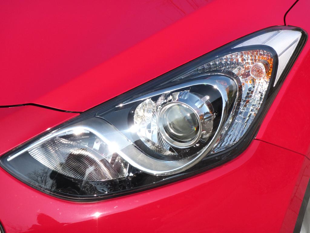 Hyundai i30 Coupé: Moderne Leuchteinheit vorn.