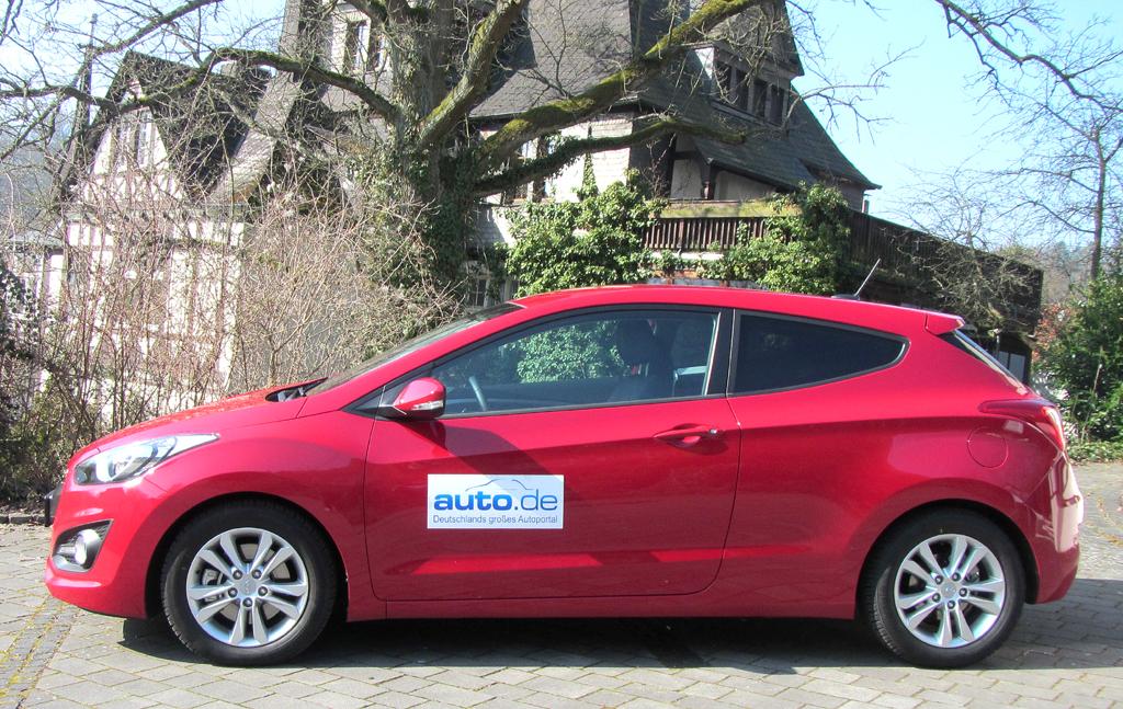 Hyundai i30 Coupé: So sieht der Dreitürer von der Seite aus.