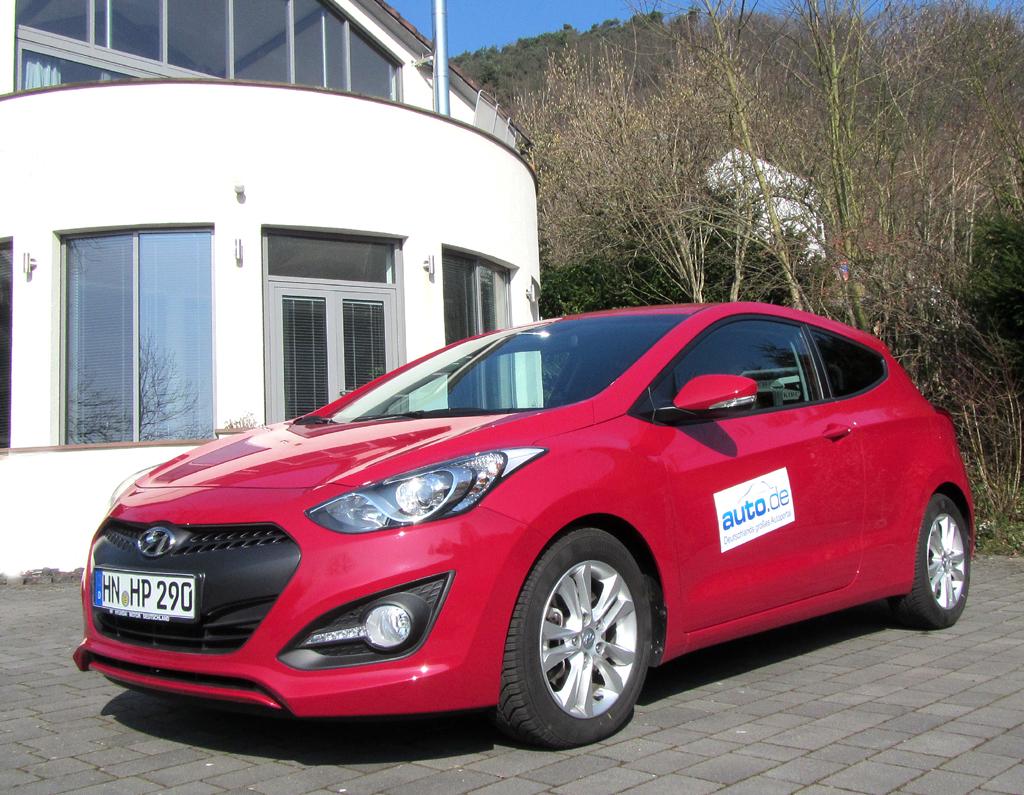 Hyundai i30 Coupé, hier als Design-Diesel mit 94/128 kW/PS.