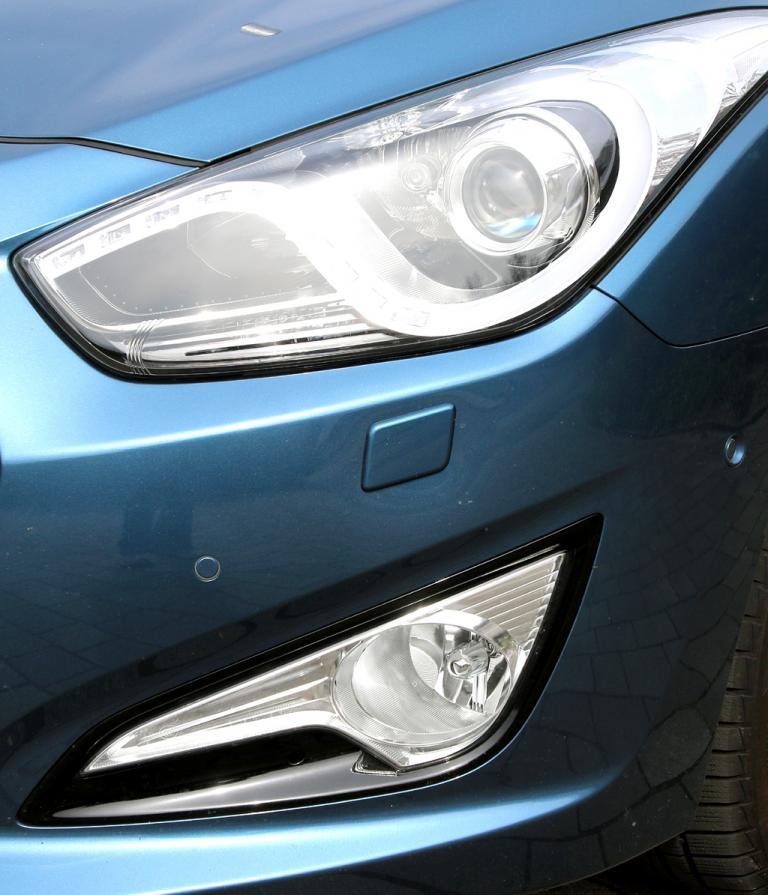 Hyundai i40: Moderne Xenon-Leuchteinheit vorn.