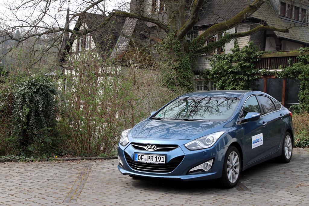 Hyundai i40: Zwei Benziner und ein kleinerer Diesel stehen motormäßig noch zur Wahl.