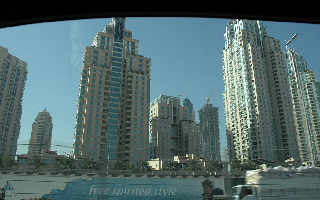 Immer neue Wolkenkratzer: Skyline von Dubai.