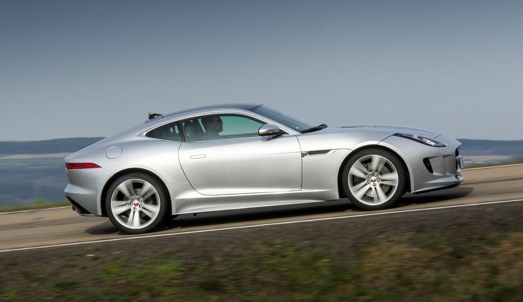Jaguar F-Type Coupé startet am 12. April