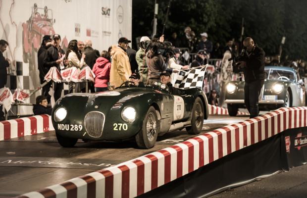 Jaguar fährt zehn Autos und viel Prominenz bei der Mille Miglia auf