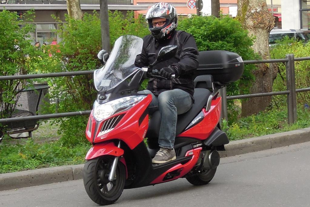 Kymco Roller Grand Dink - Zum Geburtstag ein Touring-Paket