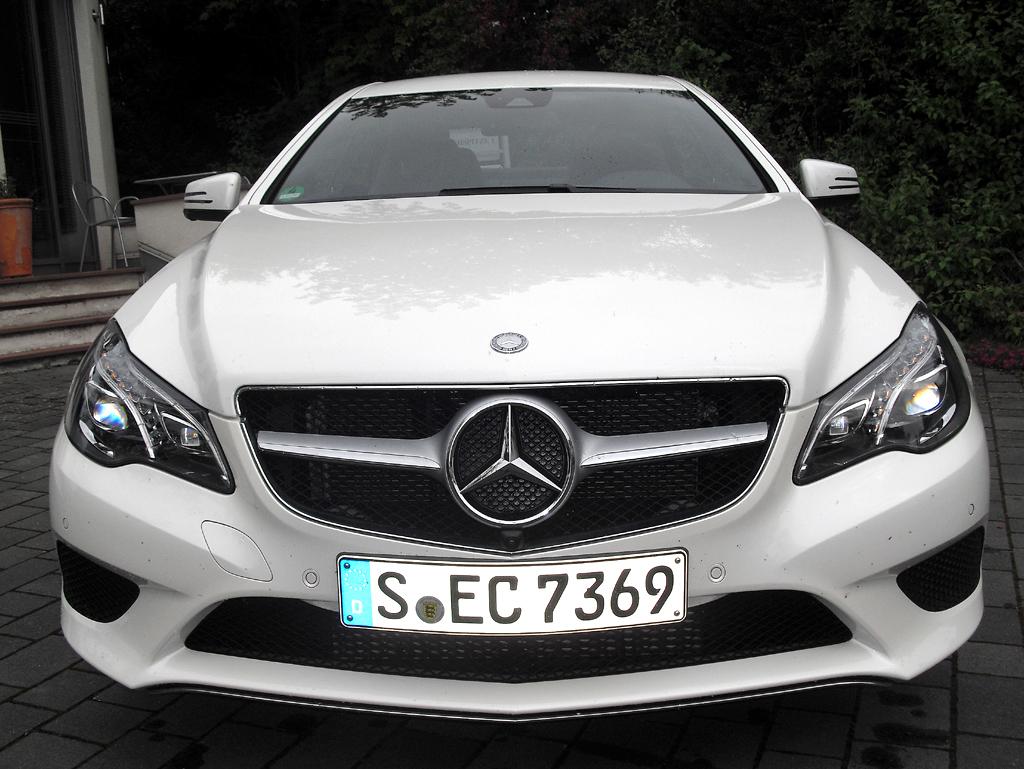 Mercedes E-Coupé: Blick auf die Frontpartie.